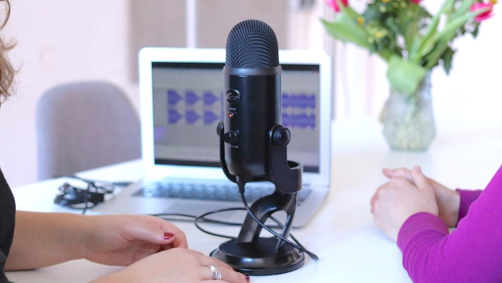 Blue Yeti USB Microphone Black - 7 Best USB Microphones in India (2021) – Review & Comparison